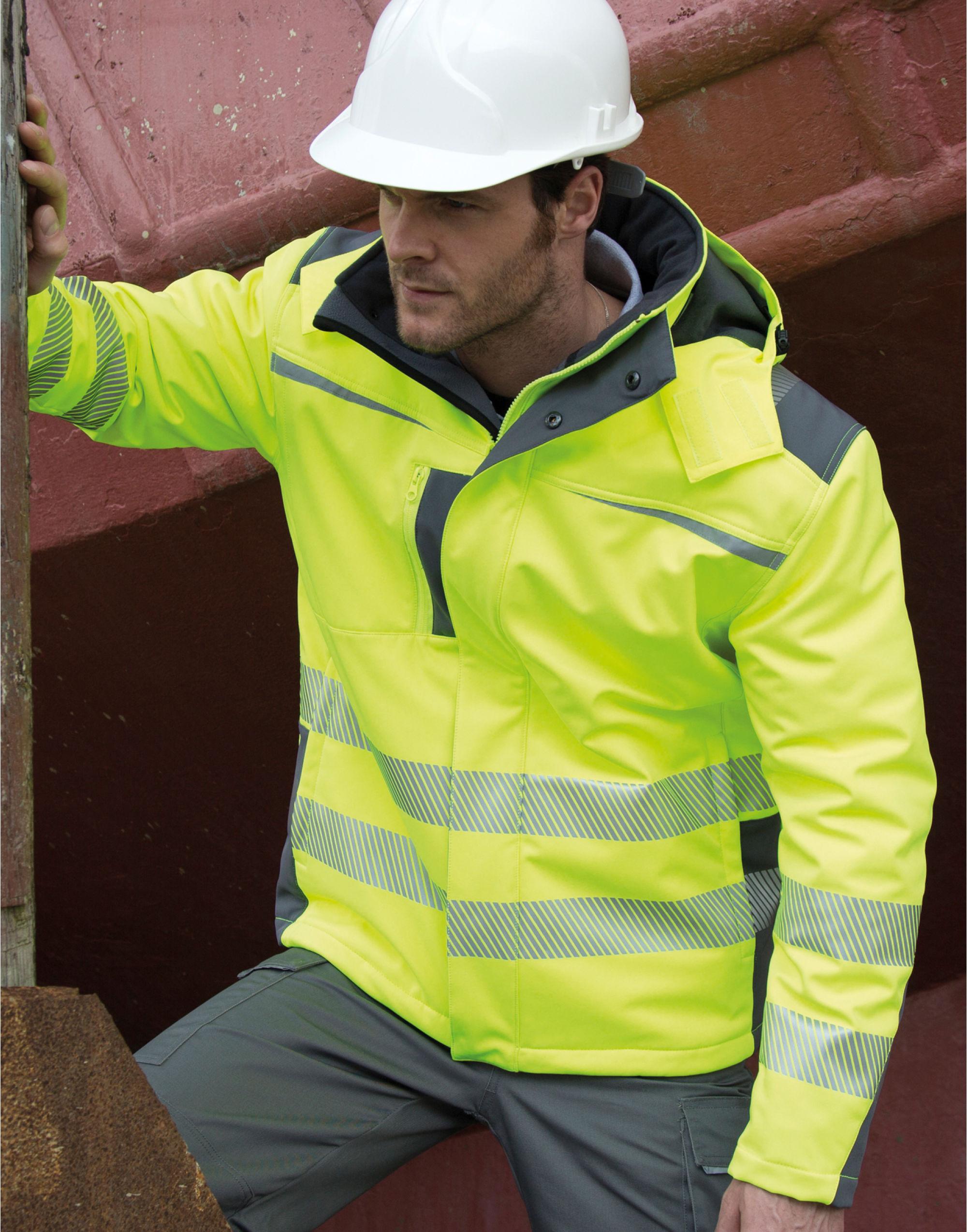 Result Safeguard Dynamic Softshell Coat